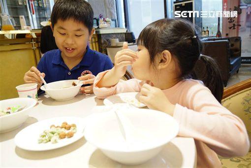 灃食公益飲食文化教育基金會,良食脈動講座,餐桌,灃食教育基金會,青菜