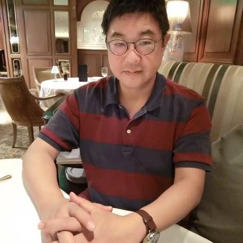 前行政院發言人,文大新聞系主任胡幼偉,臉書