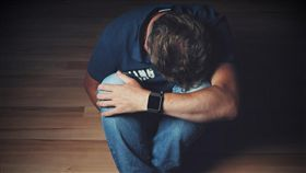 自殺,絕望,崩潰(圖/翻攝自Pixabay)