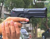 陸軍234旅的官兵已經換用新式國造T75K3手槍。(記者邱榮吉/攝影)