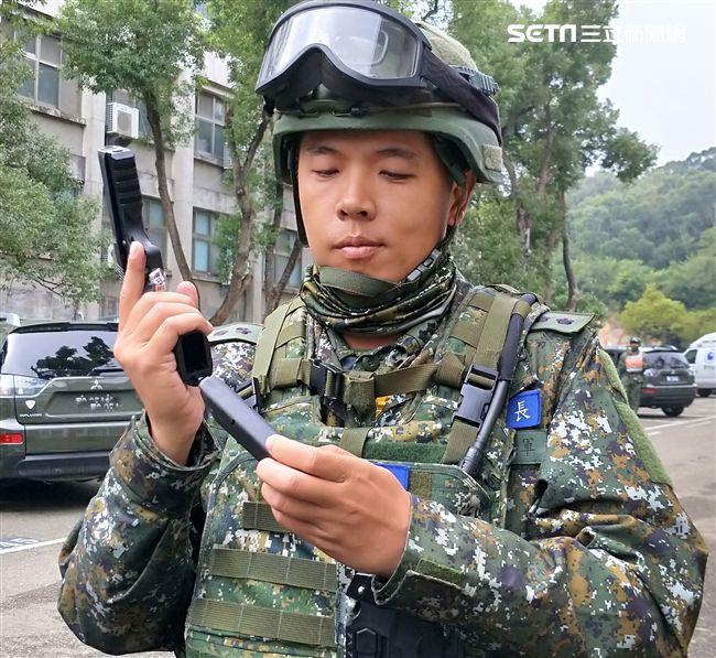 國造T75K3手槍準確度較佳,裝彈量也由7發倍增為15發。(記者邱榮吉/攝影)