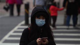 強烈冷氣團來襲  入夜北台灣探9度中央氣象局表示,22日持續受到強烈大陸冷氣團影響,各地氣溫仍偏低,入夜到23日清晨將是這波冷空氣威力最強的時候,北台灣沿海空曠地區低溫將探攝氏9度。中央社記者吳家昇攝  108年1月22日