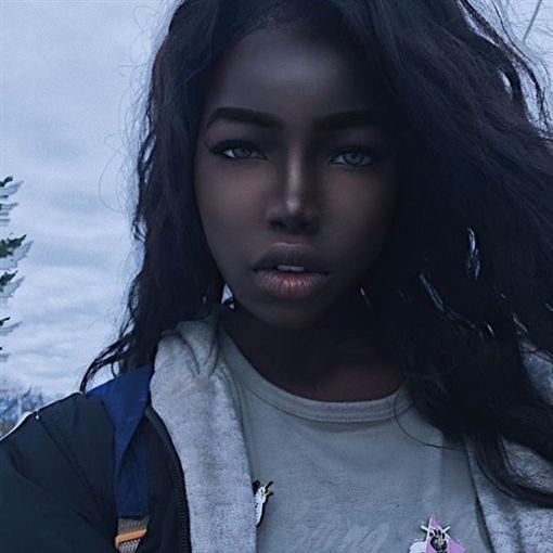 非洲,美女,劉亦菲,lola chuil,Instagram 圖/翻攝自Instagram