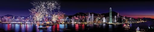 ▲還沒欣賞過名列世界三大夜景之一的香港美景嗎?旅客可以利用2019年的連假親自造訪喔!(圖/香港旅遊發展局)
