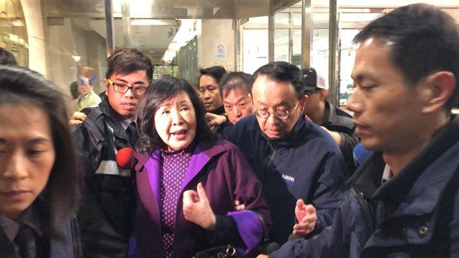鄭麗君遭摑/打巴掌還支持!王炳忠老闆:沒必要譴責鄭惠中