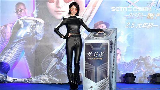 邵雨薇站台電影《艾莉塔:戰鬥天使》(圖/福斯提供)