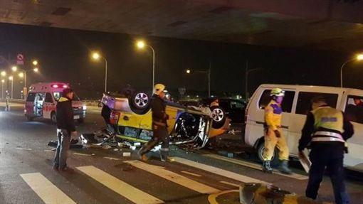 台中,大里,計程車,車禍,司機,洗腎(圖/翻攝畫面) ID-1751500