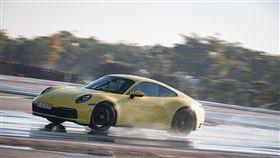 ▲保時捷首創911車系專屬的Wet Mode濕地模式。(圖/PORSCHE提供)