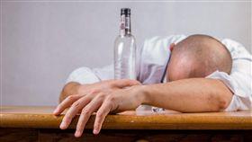 party、喝醉、喝酒、酒醉、派對/pixabay