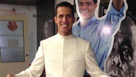美國總統川普承認委內瑞拉反對黨領袖瓜伊多為總統,美國學者波斯柯認為此舉不常見,多數政府會承認有效控制國家的人。(圖/翻攝自Juan Guaido M臉書) https://www.facebook.com/JGuaido/photos/a.1140326376028351/1140326389361683/?type=1&theater