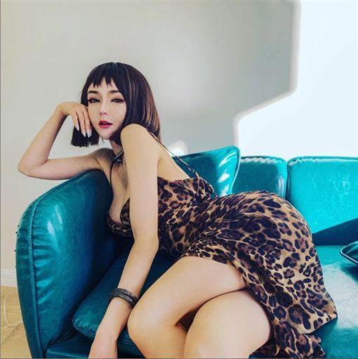 奶茶妹上億婚房買家曝光/翻攝自微博