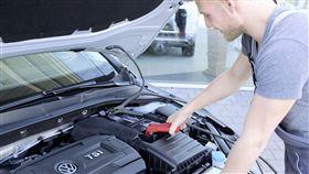 ▲福斯年節期間提供急修服務。(圖/Volkswagen提供)