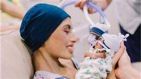 澳洲/懷孕4個月罹患血癌 19歲女勇敢保胎...兒出生夭折自己也病逝 面對最難抉擇,19歲媽媽勇敢選擇延遲治療生下兒子。(圖/翻攝自Facebook/Brianna Rawlings)