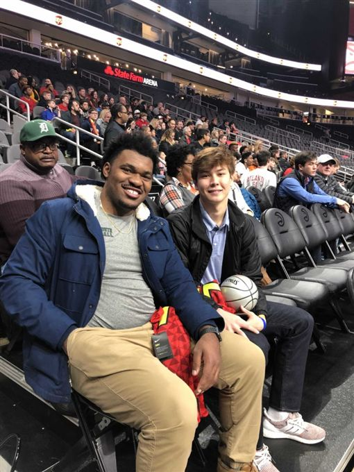 NBA/林書豪援助2位遭歧視高中生NBA,亞特蘭大老鷹,林書豪,歧視,暖心翻攝自推特