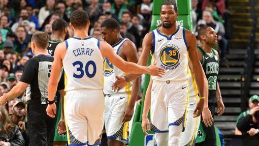 NBA/「5星地獄勇」豪取十連勝!NBA,金州勇士,Stephen Curry,Kevin Durant翻攝自推特