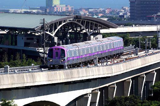 機場捷運日運量成長至6.3萬人次桃園捷運公司27日發布系統營運可靠度指標MKBF,為47.5萬車廂公里,相當於每發出2560車次,只發生一次5分鐘以上延誤事件,可靠度達99.96%。平均日運量從106年的5萬6000人次,成長至107年的6萬3000人次。(桃園捷運公司提供)中央社記者吳睿騏桃園傳真  108年1月27日