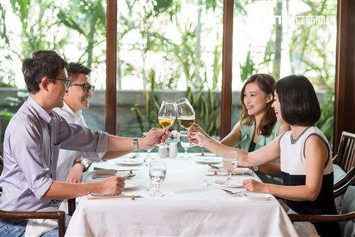 和興餐飲,新加坡,美食,珍寶海鮮,黃亞細肉骨茶,中山招待所