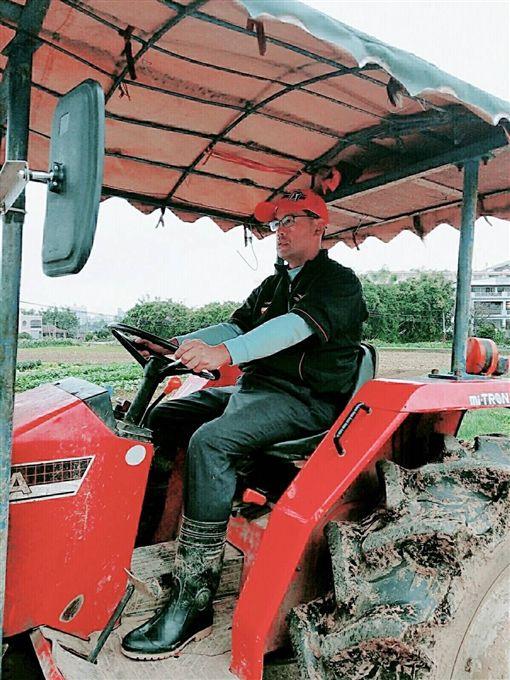 ▲呂崇標自認農夫才是本業,高爾夫是副業。(圖/呂崇標提供)