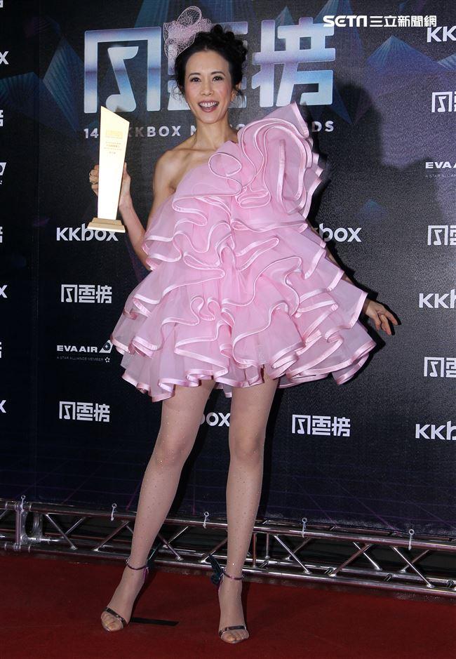 莫文蔚KKbox風雲榜演唱。(記者邱榮吉/攝影)