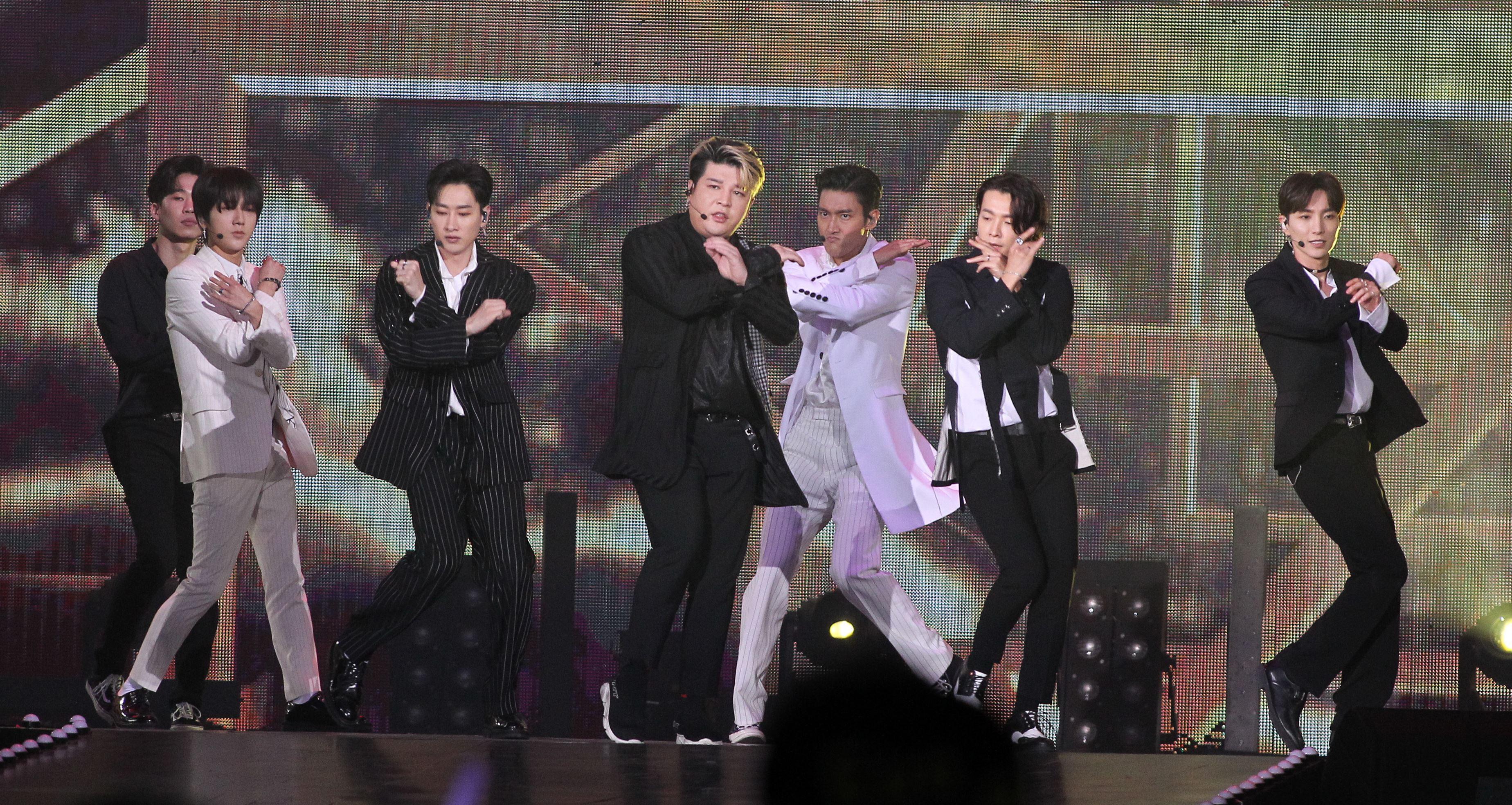 韓國男子團體SUPER JUNIOR在KKbox風雲榜演唱。(記者邱榮吉/攝影)