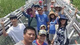 普悠瑪罹難者家屬,全家人過去出遊的照片。(圖/李詩美提供)