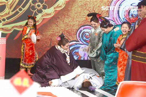 羅志祥、左左右右、楊謹華《娛樂百分百》 圖/八大電視提供