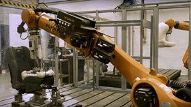 ▲Ford Robutt測試機器人。(圖/翻攝網站)