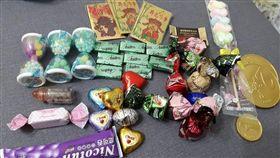 台北迪化街、台中年貨大街的糖果算不算貴?社員照片告訴你「買糖果送氣球的店家要小心!」(圖/爆廢公社)