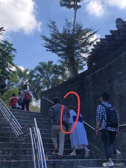 Selina約會照曝光/翻攝自新浪娛樂微博
