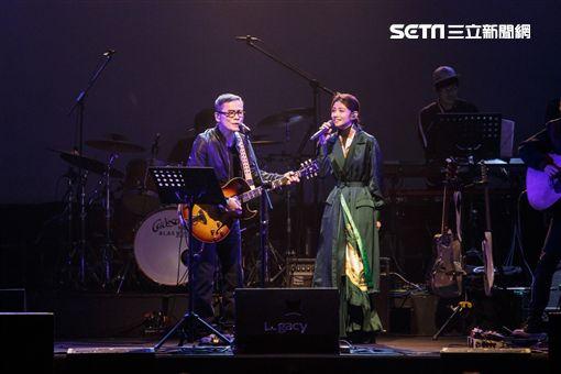 李千那為羅大佑台語演唱會擔任嘉賓。(圖/Legacy提供)