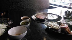 吃飯,單身,邊緣人,獨立(圖/翻攝自爆怨公社)