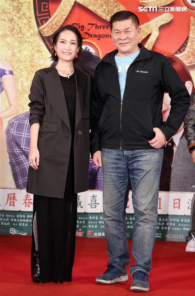 賀歲片「大三元」導演陳怡妤、監製澎恰恰。(記者邱榮吉/攝影)