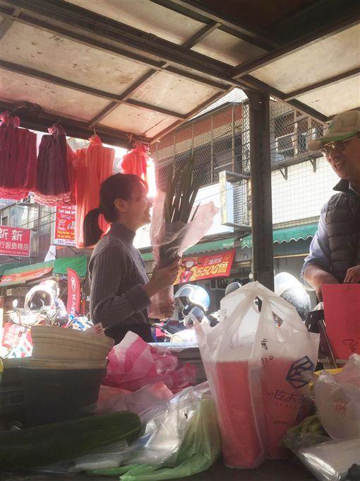 新竹,市場,正妹,竹北,仁愛街,清晨。翻攝自爆料公社