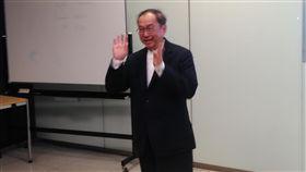 林百里:想到AI就像30年前創業一樣興奮廣達電腦董事長林百里13日表示,想到人工智慧(AI)就令人興奮,就像30年前創業,成立廣達一樣興奮,將在台灣成立AI實驗室。中央社記者潘智義攝 107年11月13日