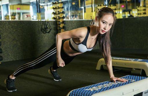 健身教練,健身,正妹,女神,jessica,Rina,謝蔓蔓(受訪者提供)
