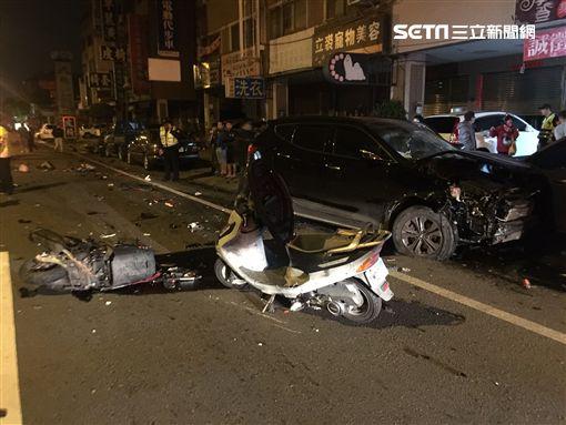 被吊銷駕照又酒駕!男逆向連環撞8車 撞死2人無緣過年(台中直接用就可