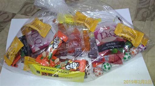 迪化街買糖果 一小包要220元