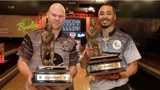 ▲貝茲(右)參加職業保齡球比賽也摘冠軍。(圖/翻攝自Flobowling網站)