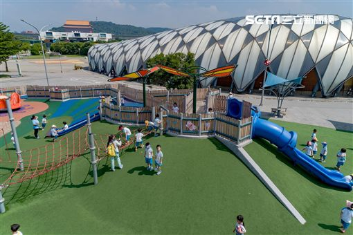 金豬年,走春,台北,公園,兒童遊戲場,遛小孩,過年