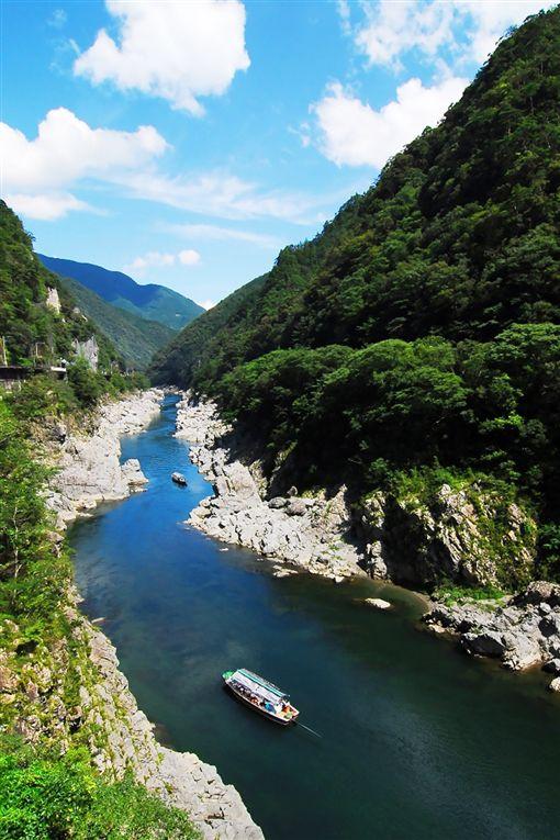 ▲搭乘遊船,近距離感受大步危溪谷之美。(圖/翔笙旅行社提供)