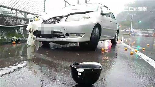 基隆老翁騎車遭銀色轎車追撞身亡(翻攝畫面)