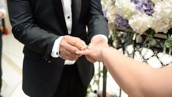 男娶96公分侏儒妻被嫌!2年後現況曝光 親友改口喊羨慕