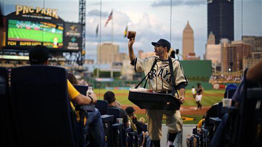 看球配花生是美國棒球場必備傳統之一。(示意圖/美聯社/達志影像)