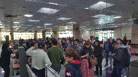 澎湖機場湧現人潮