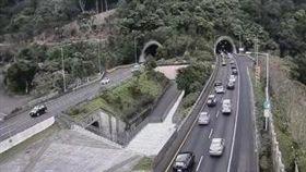 一早入雪隧前的車流就川流不絕。(圖/翻攝自高公局網站)