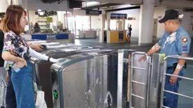 菲律賓,中國女子,豆花,捷運站(圖/翻攝自Pau Mesias臉書)