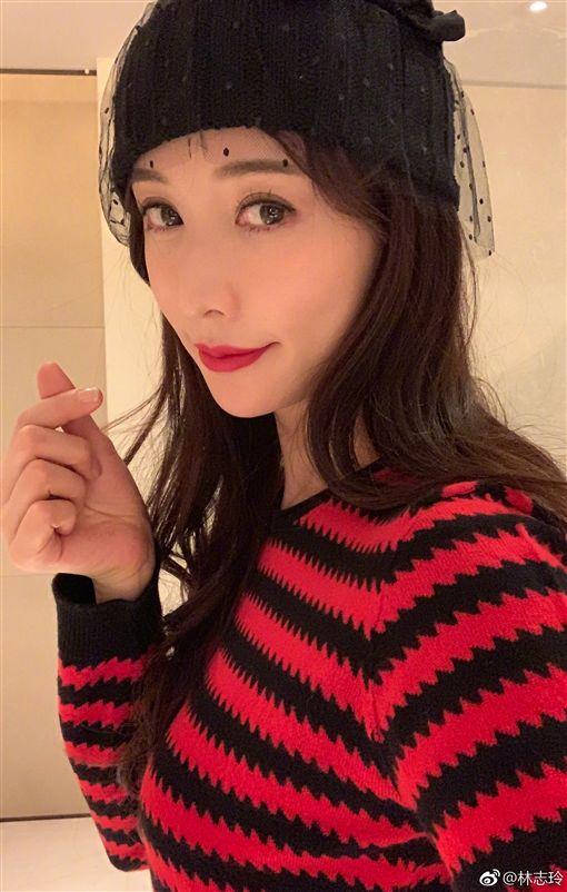林志玲也曾連續四年獲得知名國際時尚雜誌票選全球百大美女第一名。(圖/翻攝自微博)