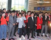 三立集團開工大吉由董事長林昆海、總經理張榮華帶領全體員工開工。(記者邱榮吉、林士傑/攝影)