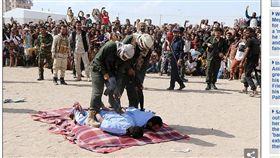 (圖/翻攝自每日郵報)葉門,死刑,槍決,割喉,性侵