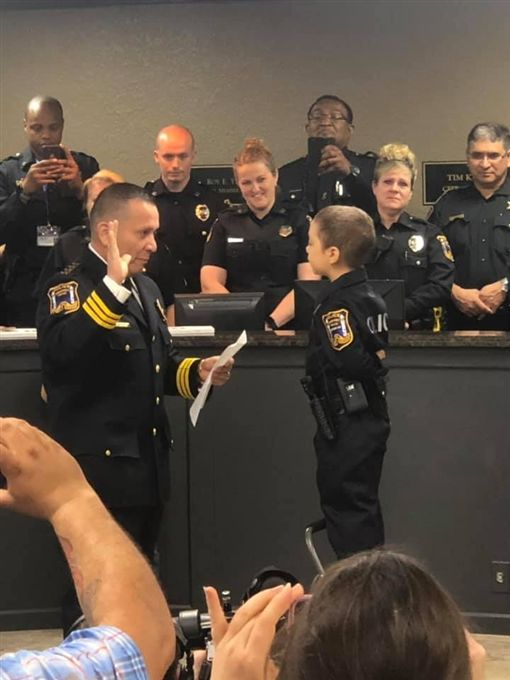 美國,癌末女童,阿里亞斯(Abigail Rose Arias)(圖/翻攝自Freeport Police Department臉書)
